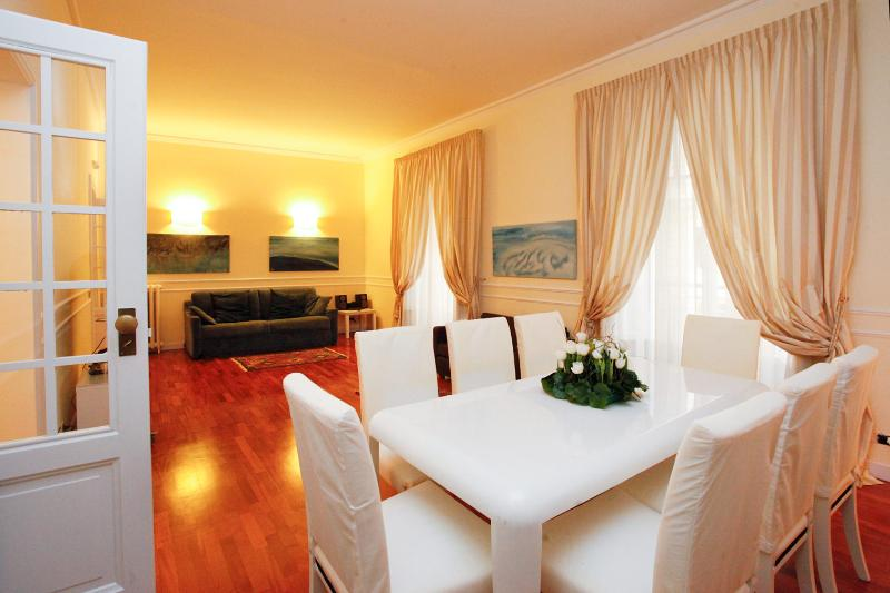 livingroom - Cavour Square Prestige Apartment - Rome - rentals