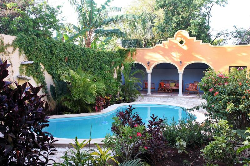 Swimming Pool & Tropical Garden - Tranquil Tropical Oasis in Historic Center - Merida - rentals
