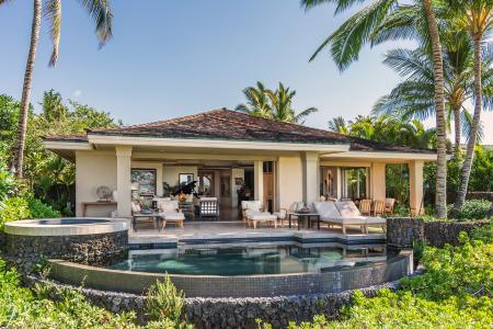 Nestled on a golf course, Residence on Pakui street is a short walk to the beach - Image 1 - Kohala Coast - rentals