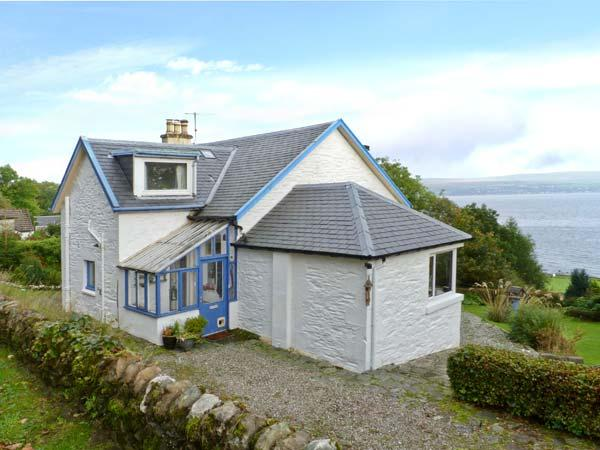 GLENASHDALE, woodburner, WiFi, dog-friendly, Sky TV, detached cottage near Dunoon, Ref. 12582 - Image 1 - Dunoon - rentals