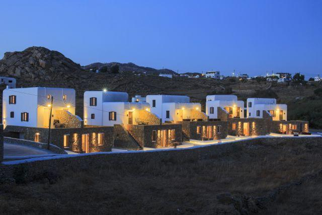 Gound floor suite at Agia Anna, Paraga - Image 1 - Mykonos - rentals