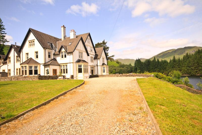 View of Lodge from Main Drive Way. Private grounds shown which fronts onto loch Katrine. - Stronachlachar Lodge - Stronachlachar - rentals