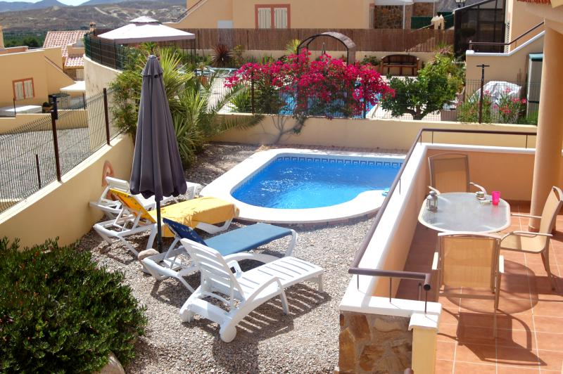 view of the swiming pool - Villa Marissa is a luxury 2 bed Villa with Pool - Zurgena - rentals