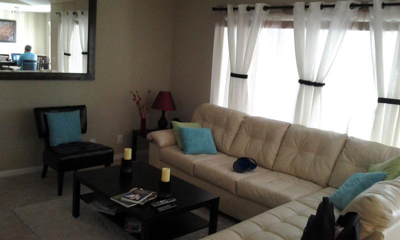 Living Room - Beatiful Condo 3 miles from the Beach - Long-Term - Boynton Beach - rentals