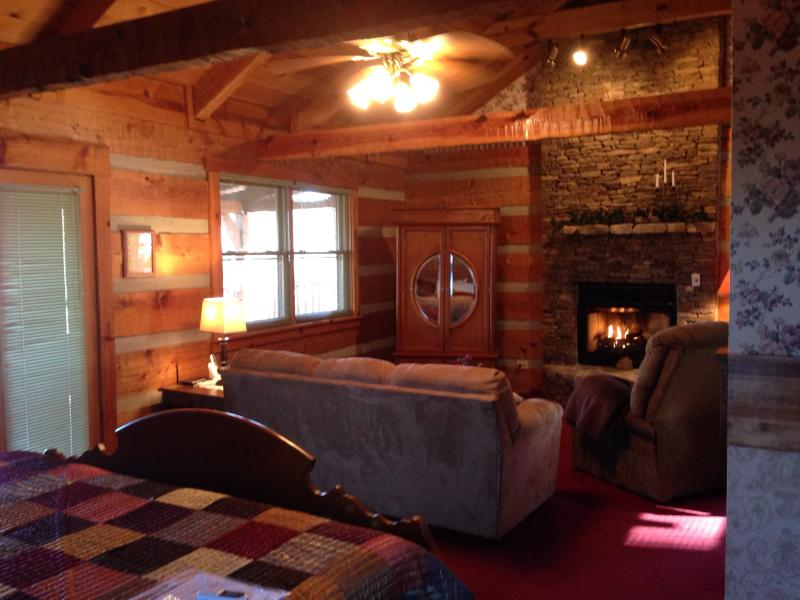 A perfect Get a way for a couple's special event or just some down time! - Love Sweet Cabin - Townsend - rentals