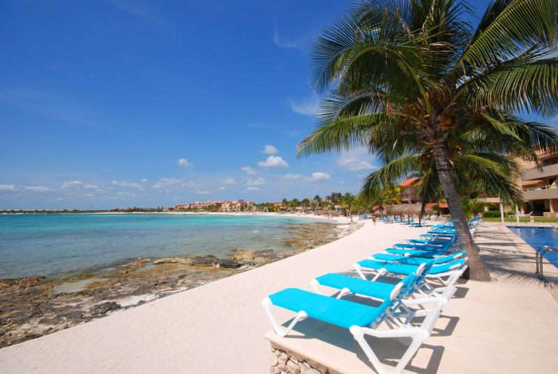 Chac Hal Al Beach & Loungers. - Chic Studio Located on the Marina w/ Beach Access - Puerto Aventuras - rentals
