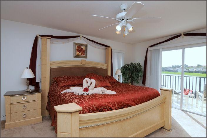 One of 2 Master Suite with Balcony and lake views - Wow! 5 Bed Lakeside, 4 Miles 2 Disney with Hot Tub - Kissimmee - rentals