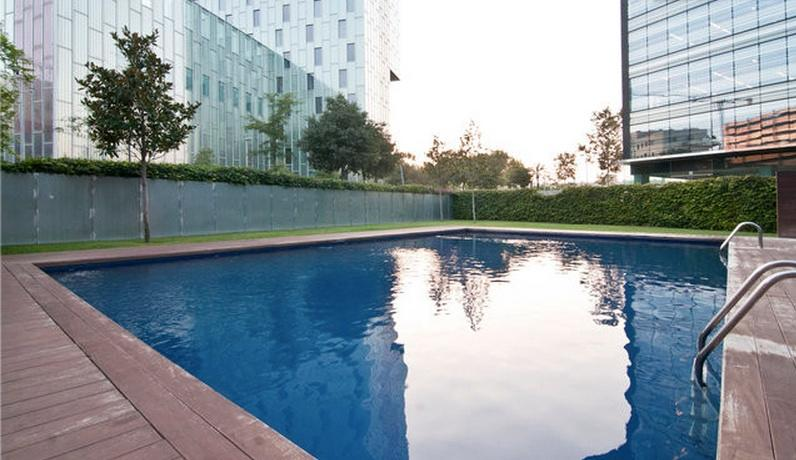 Beautiful Apartment with Pool and Garden - Image 1 - Barcelona - rentals
