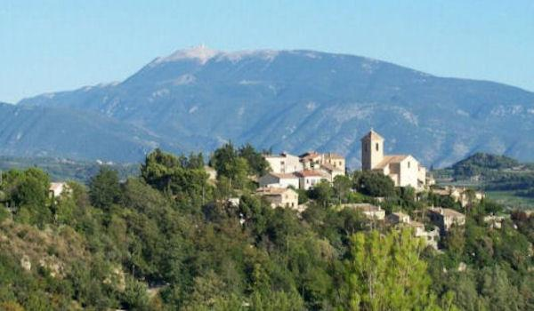 Vinsobres with Mont Ventoux in the background - 300 year old stone village house in Provence - Vinsobres - rentals