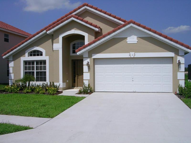 Welcome to Villa Serenity - Luxurious 4 bed/ 3 bath villa 15 mins from Disney - Davenport - rentals