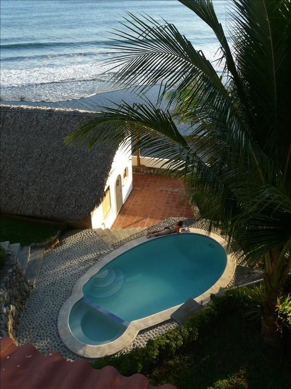 Casita Del Olas - Ocean at the front door & tropical gardens with pool behind - Romantic Oceanside Casita w/Direct Access To Beach - La Libertad Department - rentals