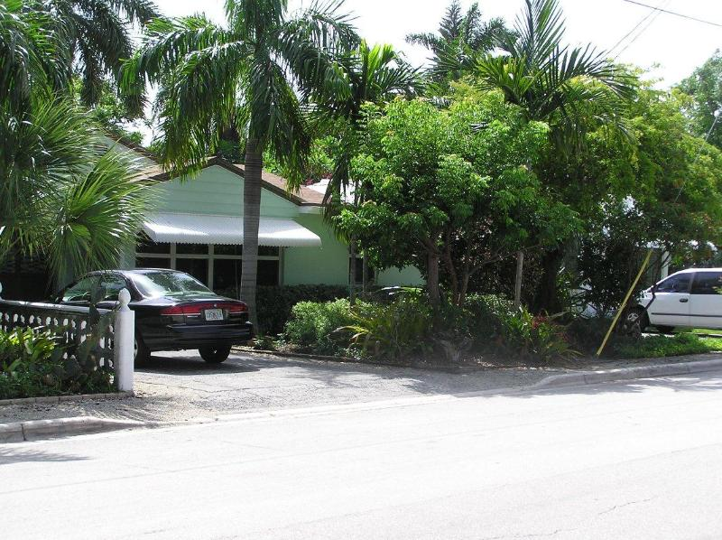 Front of the property - Vacation Efficiency - Fort Lauderdale - rentals
