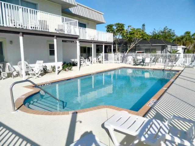 106-8 Trop Shr #4 TS4 - Image 1 - Fort Myers Beach - rentals