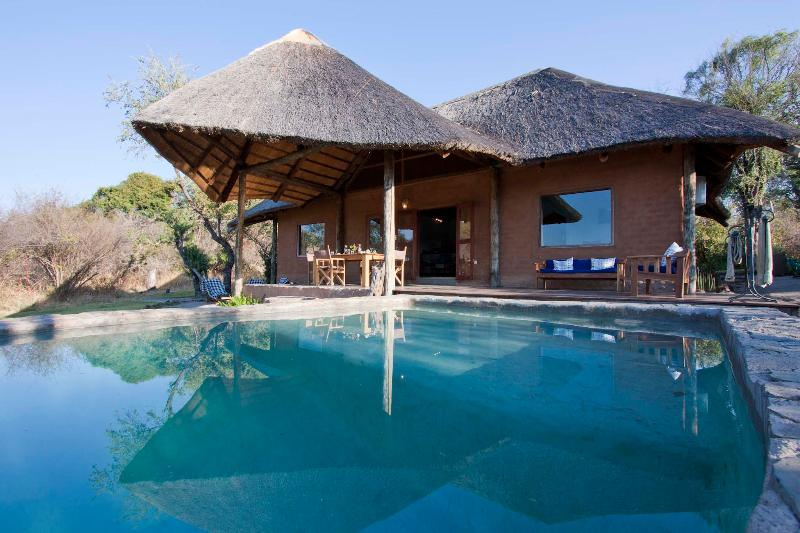 Plunge pool - Fully Catered Cottage, Victoria Falls, Zambia - Livingstone - rentals