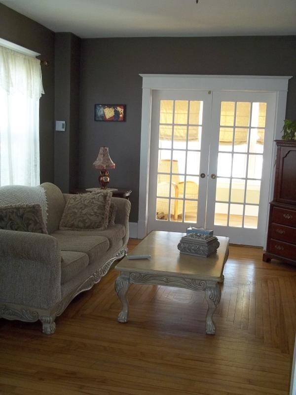 Two bedroom Victorian home - Image 1 - Dieppe - rentals