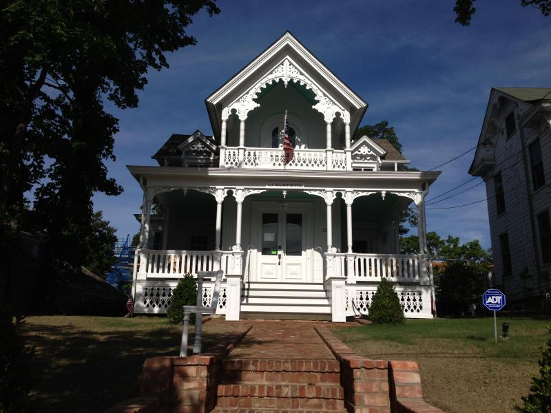 Historic Gingerbread House - Main Street Historic Gingerbread House Full floor - Sag Harbor - rentals