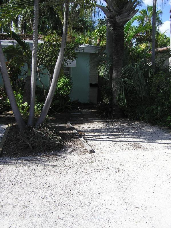 Front of the property and parking space - Vacation Studio - Fort Lauderdale - rentals
