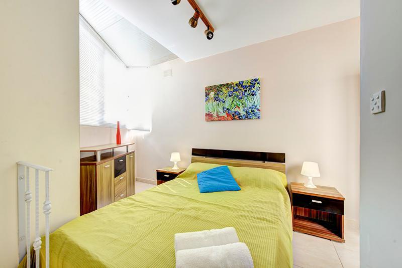 004b Sliema Studio Penthouse - Image 1 - Sliema - rentals