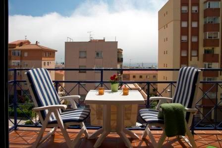 Carmen, with balcony 10 minutes from the beach. - Image 1 - Sitges - rentals