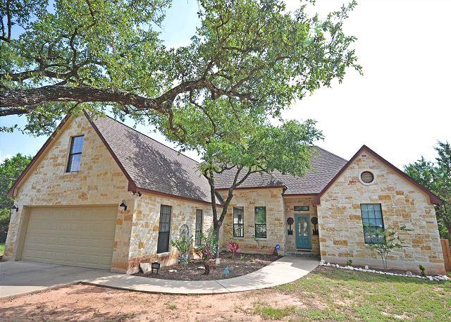 Front Of House - 4BR/2.5BA Ideal Home in Lakeway 1/2 Mile from Lake with Pool - Austin - rentals