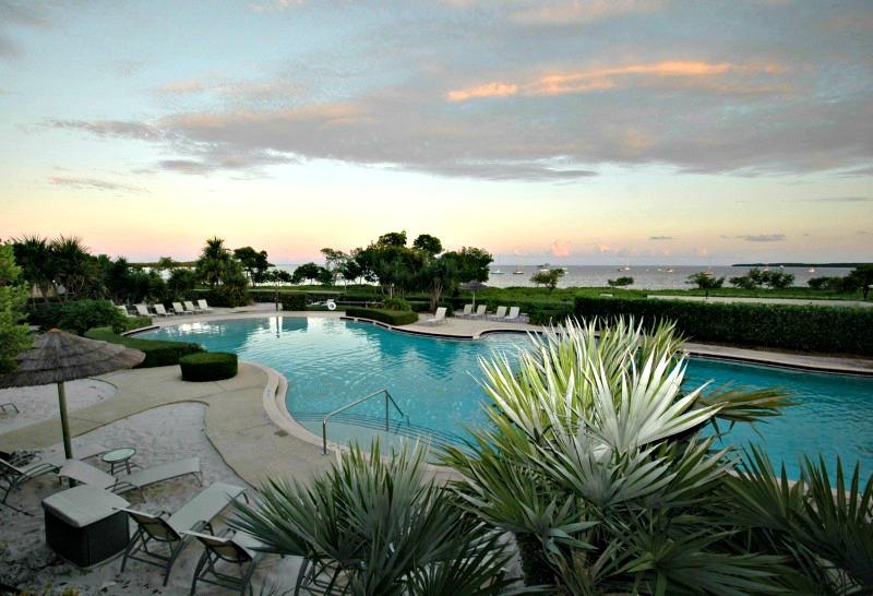 Patio view - Paradise rejuvenates your soul...405 Mariners Club - Key Largo - rentals