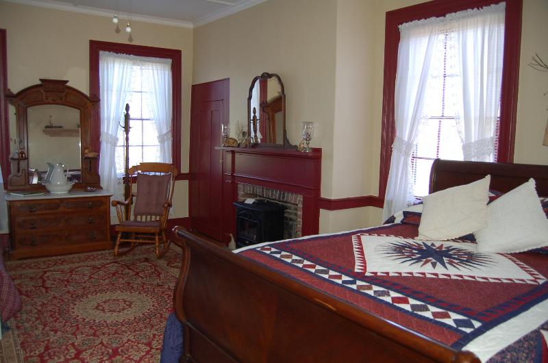Wayne Room - James Manning House B&B - Wayne Room - Honesdale - rentals