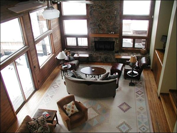 Living Room Boasts High Ceilings, Lots of Natural Light, and a Fireplace - Open & Spacious Floorplan - Lovely Mountain Views (1381) - Crested Butte - rentals