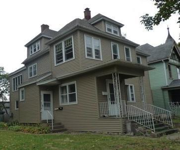 930 Cass Street, La Crosse, WI - 2,100 sq feet of - La Crosse - rentals