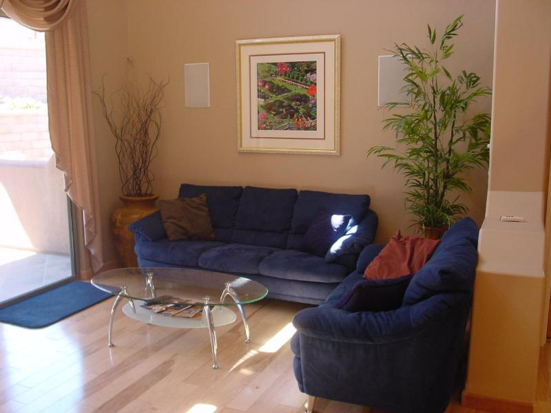 Living Room - FOUNTAIN HILLS, AZ Townhome-Best in Development!!! - Fountain Hills - rentals