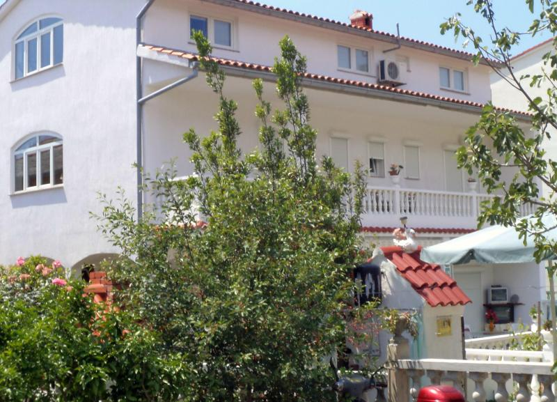 House Perkic with two  apartments - - The house Perkic -  paradies Island of  RAB - Rab - rentals