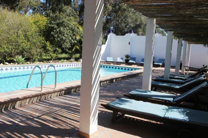 Pool with Sunbeds - La Torre - Luxurious duplex with pool and garden - Costa de la Luz - rentals