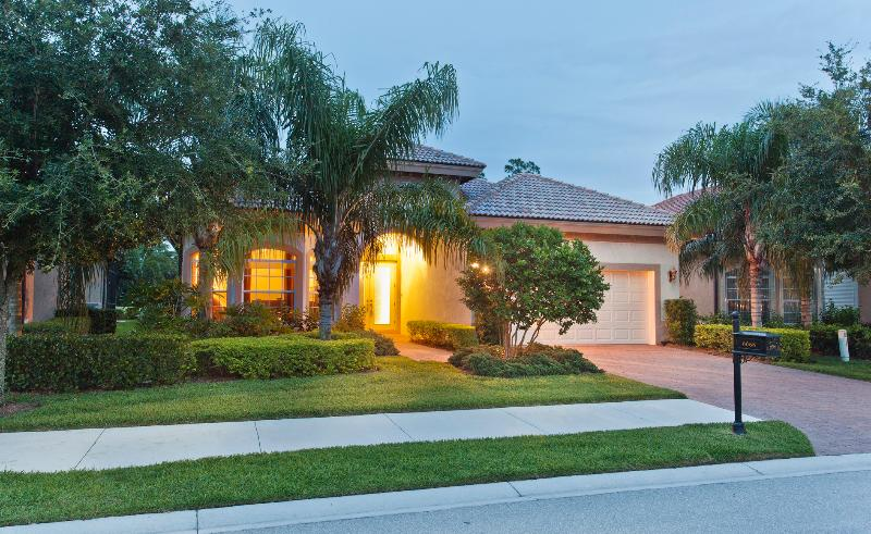 House is located in peaceful neighborhood - Perfect Family home with private pool and spa - Naples - rentals