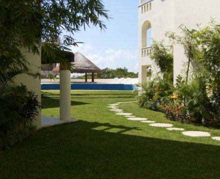 View from porch - Two BDR Ground fl, poolside, 1 block from beach T2 - Playa del Carmen - rentals