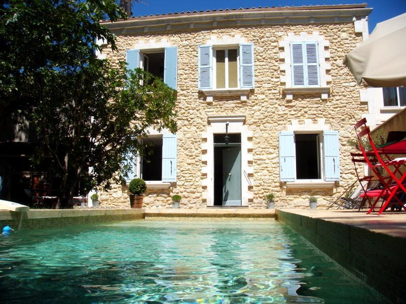 In Avignon, Beautiful House with Pool and Garden, - Image 1 - Avignon - rentals