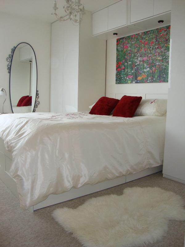 Bedroom - Smart Central London Riverside Vacation Rental - London - rentals