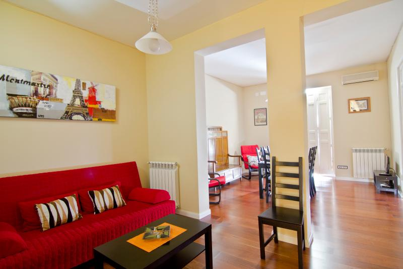 Living Room - Superbly located apartment Wfi A/C - Madrid - rentals