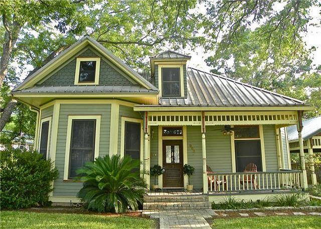Front - 7BR/4BA  Unique House and Cottage on South Congress in Austin, Sleeps 16 - Austin - rentals
