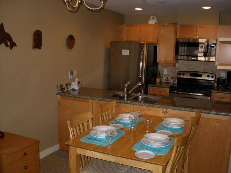 View of kitchen and dining area - Base of Blackcomb - Whistler - rentals