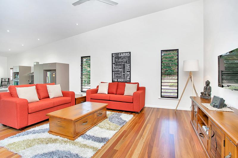 Living Room - Upstairs (sofa bed) - Stratford Views, Cairns - Cairns - rentals