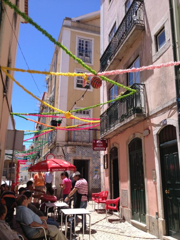 A colourfull pedonal street - Live like a local in a typical Lisbon's quarter - Abrantes - rentals