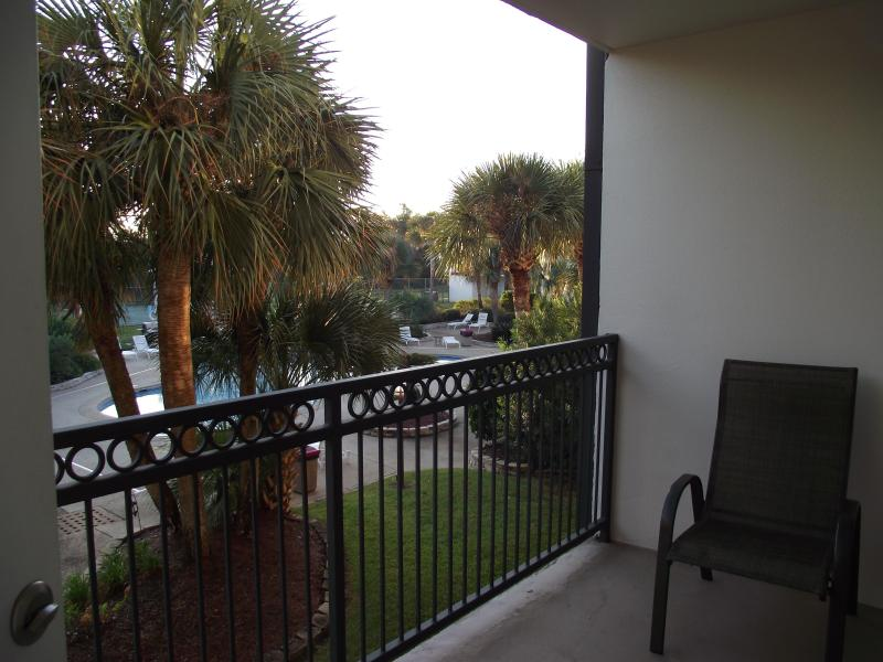 balcony - Overlooking pool, 2 bedrm, 2 bath, Beach Blvd - Biloxi - rentals