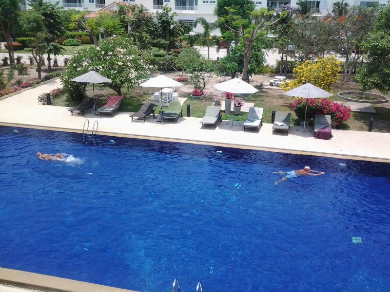 Pool Area - Studio Apartment in top quality condotel resort - Hua Hin - rentals