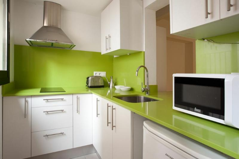 Kitchen - Spring apartment in Barcelona with a private terrace (Spain - Gracia) - Barcelona - rentals