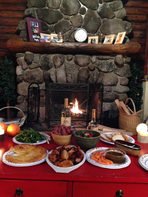 Romantic feast in front of the fire - Lakefront cabin - Hawley - rentals