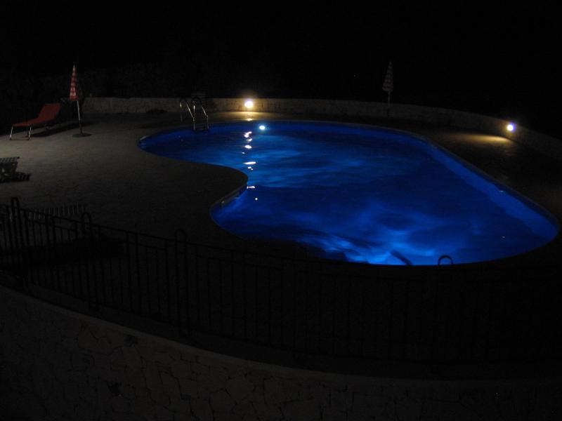 "Swimming pool by night - ""Trulli Beltramonto"" villa with swimming pool - Locorotondo - rentals"