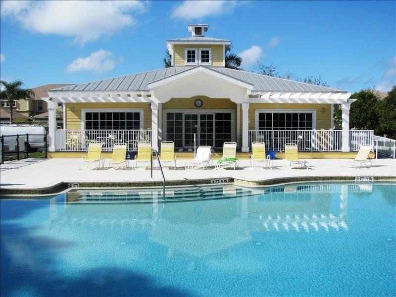 Luxurious Condo, gated community, close to beaches - Image 1 - Fort Myers - rentals