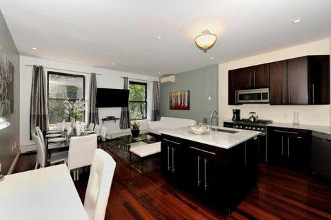 Stylish and Spacious 3 Bedroom Apartment 3 ~ RA42831 - Image 1 - Manhattan - rentals