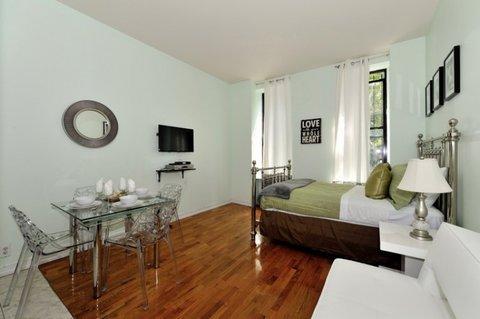 Lovely Studio Sleeps 3 1S ~ RA42779 - Image 1 - Weehawken - rentals