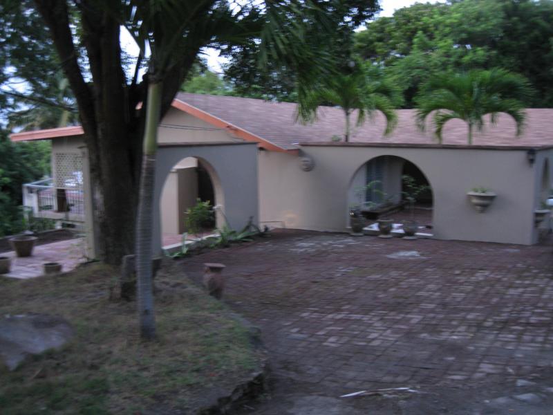 3 bedroom 2 bath room villa with all the amenities - Image 1 - Olveston - rentals
