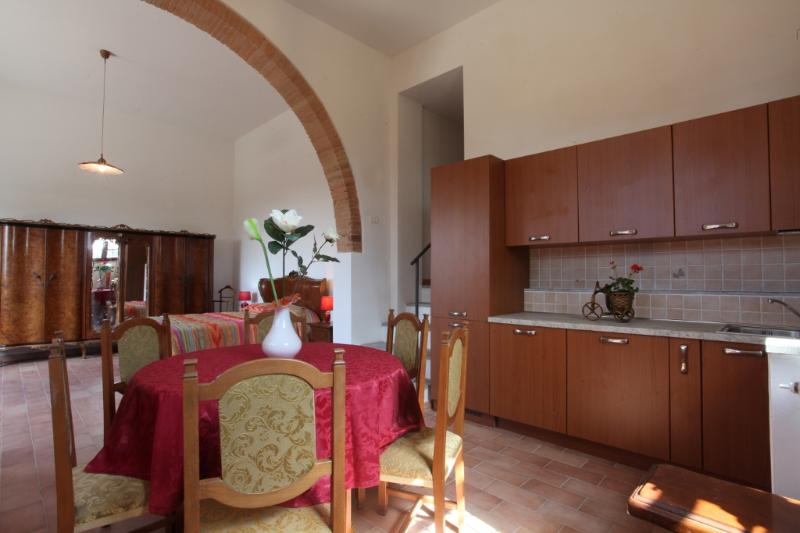 general view kitchen-dining room and bedroom in the background - Casa Vacanze Il Tramonto Sul Chianti: Apt. Bacco - Montespertoli - rentals